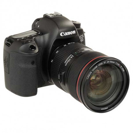 Canon EOS 6D con objetivo Canon 24-70mm
